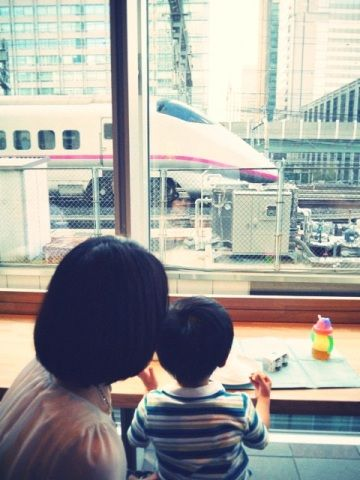train_food_starbucks_sapia_tower_05