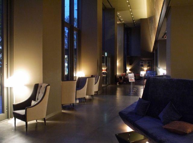 hotel_shunjukugranbell_lobby_02