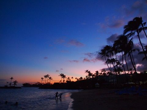 travel_hawaii_kahala_beach_01