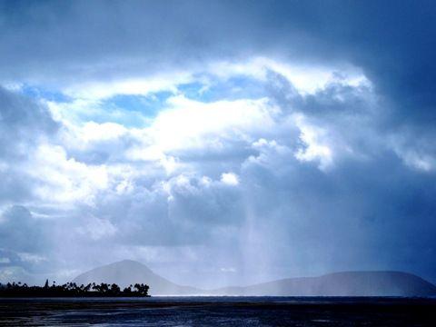 travel_hawaii_kahala_beach_03
