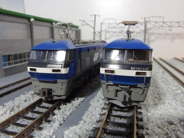 EF210 3