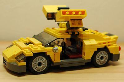 黄色いクルマ