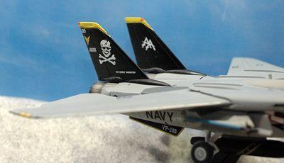 66 F-14 VF-103_R