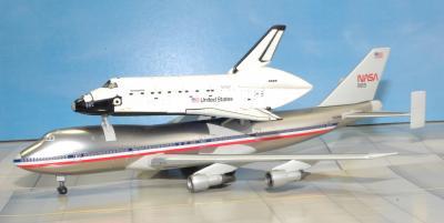 アメリカンB747とスペースシャトル-1