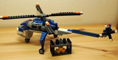 LEGO 大型ヘリコプター後ろ_R