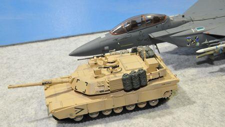 3 戦車とF15_R
