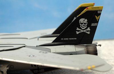 4 F-14 VF-103_R
