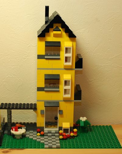LEGO 黄色い家3階_R