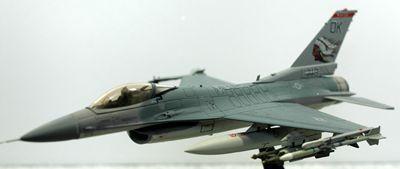 F-16 OK左側面_R