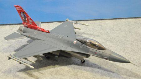 1-5 F-16_R