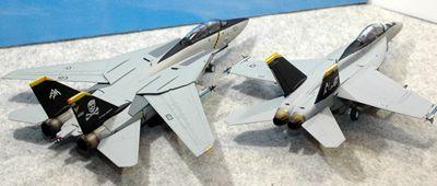 17 F-14 F-18_R
