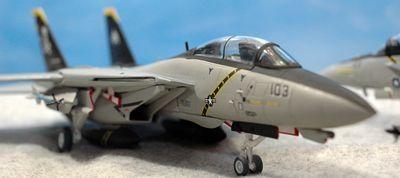 30 F-14 F-18_R