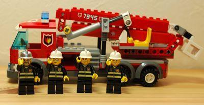 LEGO 消防車前記念撮影_R