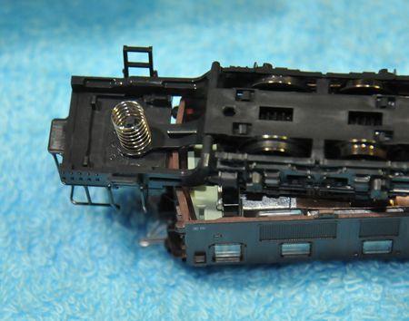 2-12EF5712_R.jpg