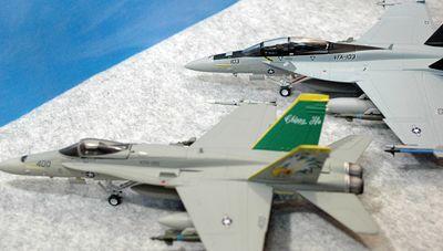 33 F-18 C F_R