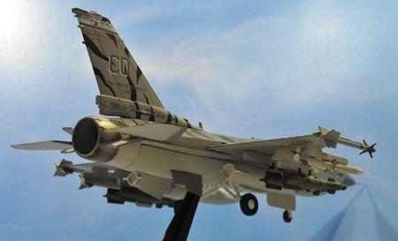 2-7 F16_R