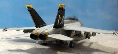 21 F-18_R