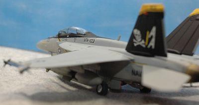 29 F-18_R