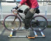 自転車の 自転車 固定台 : 一言にローラー台と言っても ...