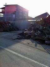 瓦礫と道路