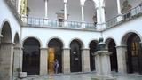 回廊と中庭