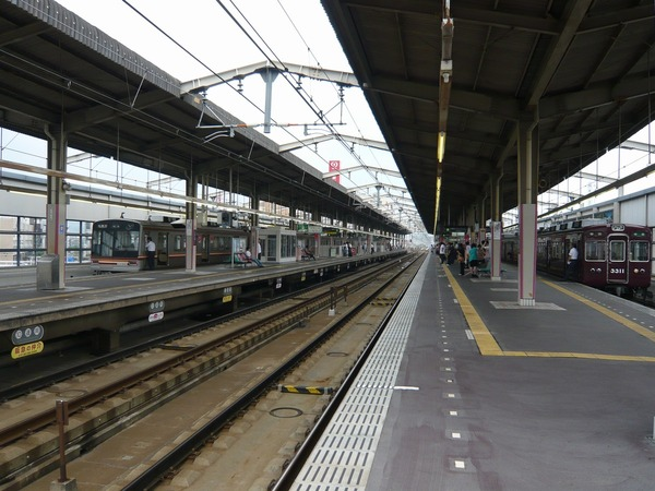 阪急茨木市駅ホーム