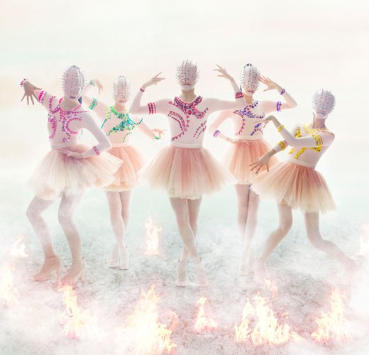 news_large_momoirocloverZ_art_201303_ver2