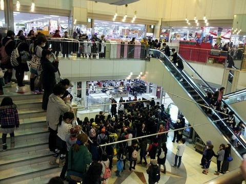 本日「GOUNN」発売日、ももクロが日本最北端に出没!