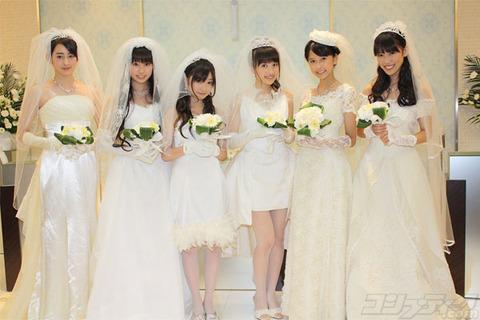 ももクロバレンタインイベントで物販に並ぶモノノフが結婚式を盛り上げていたらしい