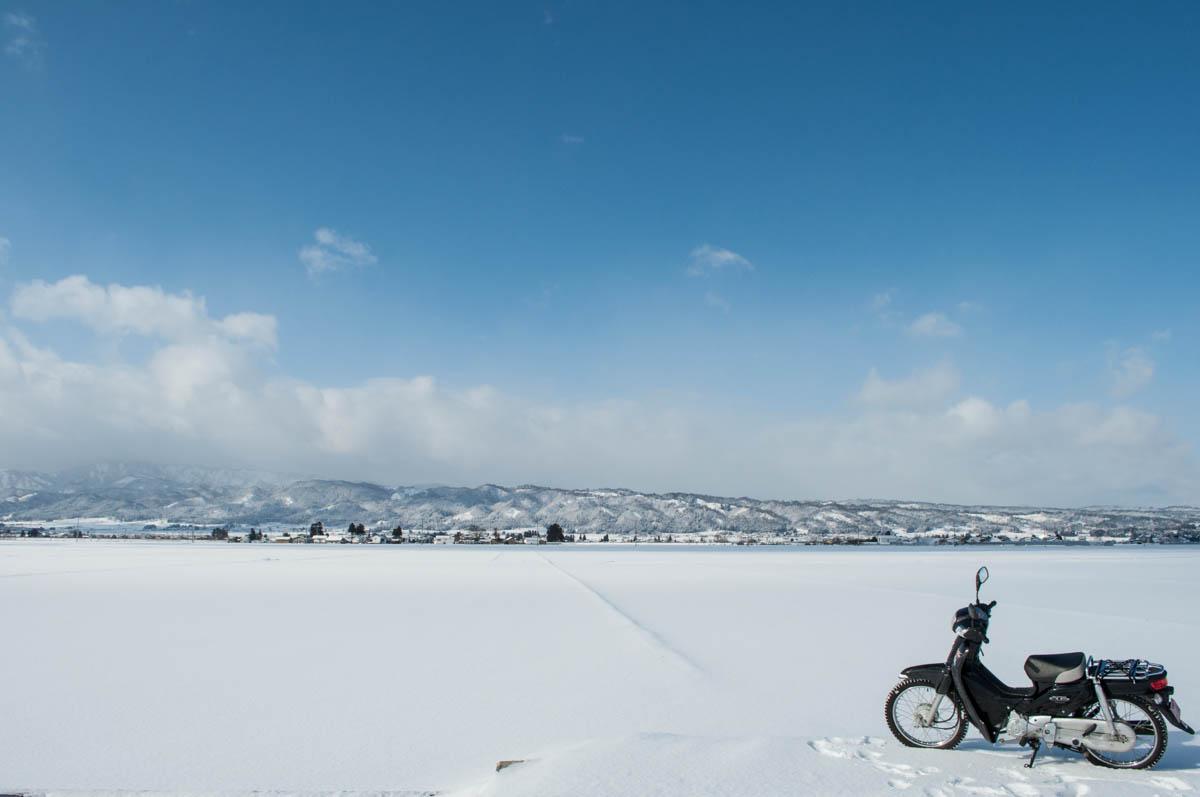 バイク(カブ)での雪道(凍結 ...
