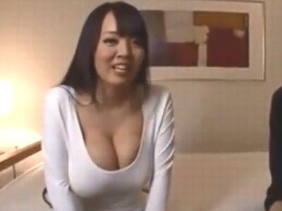 【Hitomi】圧倒的巨乳なHitomiお姉さんの生膣を激ピス→そのままザーメン中出し
