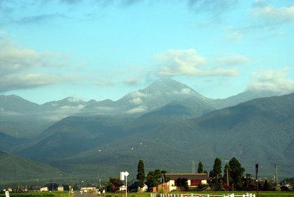 070814安曇野から望む常念岳