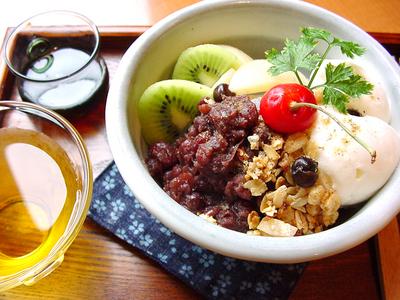 豆腐アイスと自家炊きあんのみつ豆