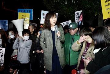 【バカッター】香山リカ「安倍のせいでおかしくなった本当の日本を取り戻す」