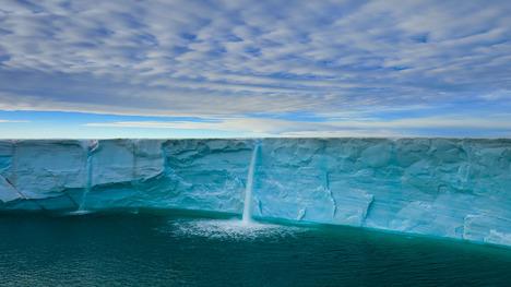 140914氷河の滝@ノルウェー スヴァールバル