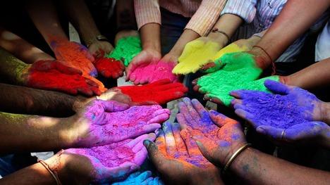 130327ホーリー祭の顔料@インド アフマダーバード