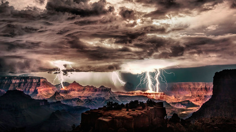 140609グランドキャニオンの雷雲@アメリカ アリゾナ州