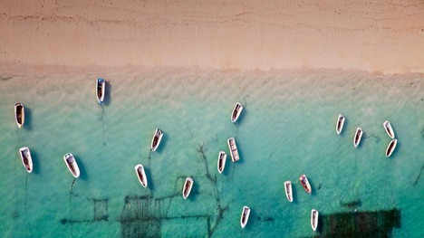 130408ボートのある浜辺@インドネシア バリ