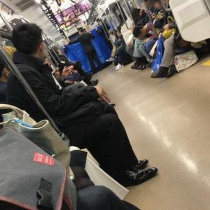 【悲報】計画性全くなし!?常磐線の車内で出産した妊婦様、予定日5日前に外出していた