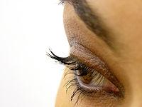 200px-Eye_makeup
