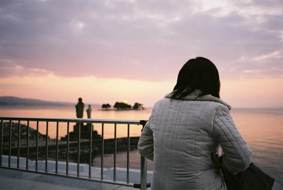 sunset-lady