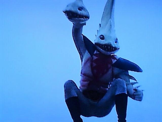 サメ奇械人①