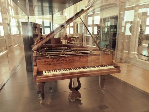ブリュッセル楽器美術館 ピアノ