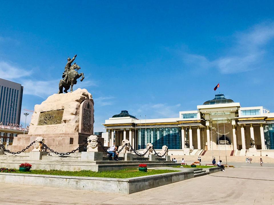 モンゴル ウランバートル チンギス広場