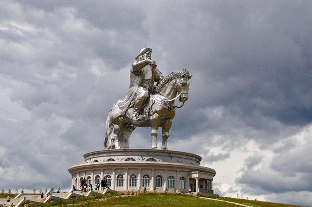 mongol-italy3