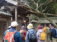�現等妙寺の山門