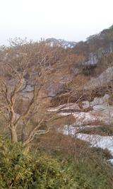 今の秋田駒ケ岳と国見、春、残雪
