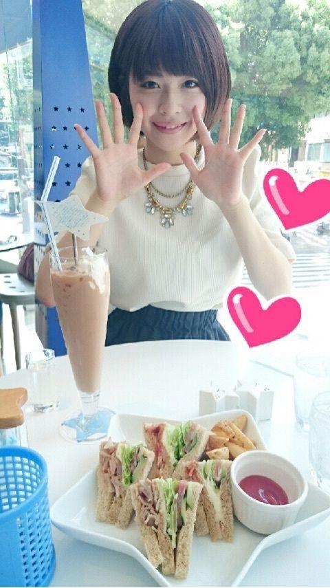 【エンタメ画像】【Juice=Juice】宮本佳林ちゃんが金澤朋子とカフェで食事してプリクラ撮って猫カフェに行った件