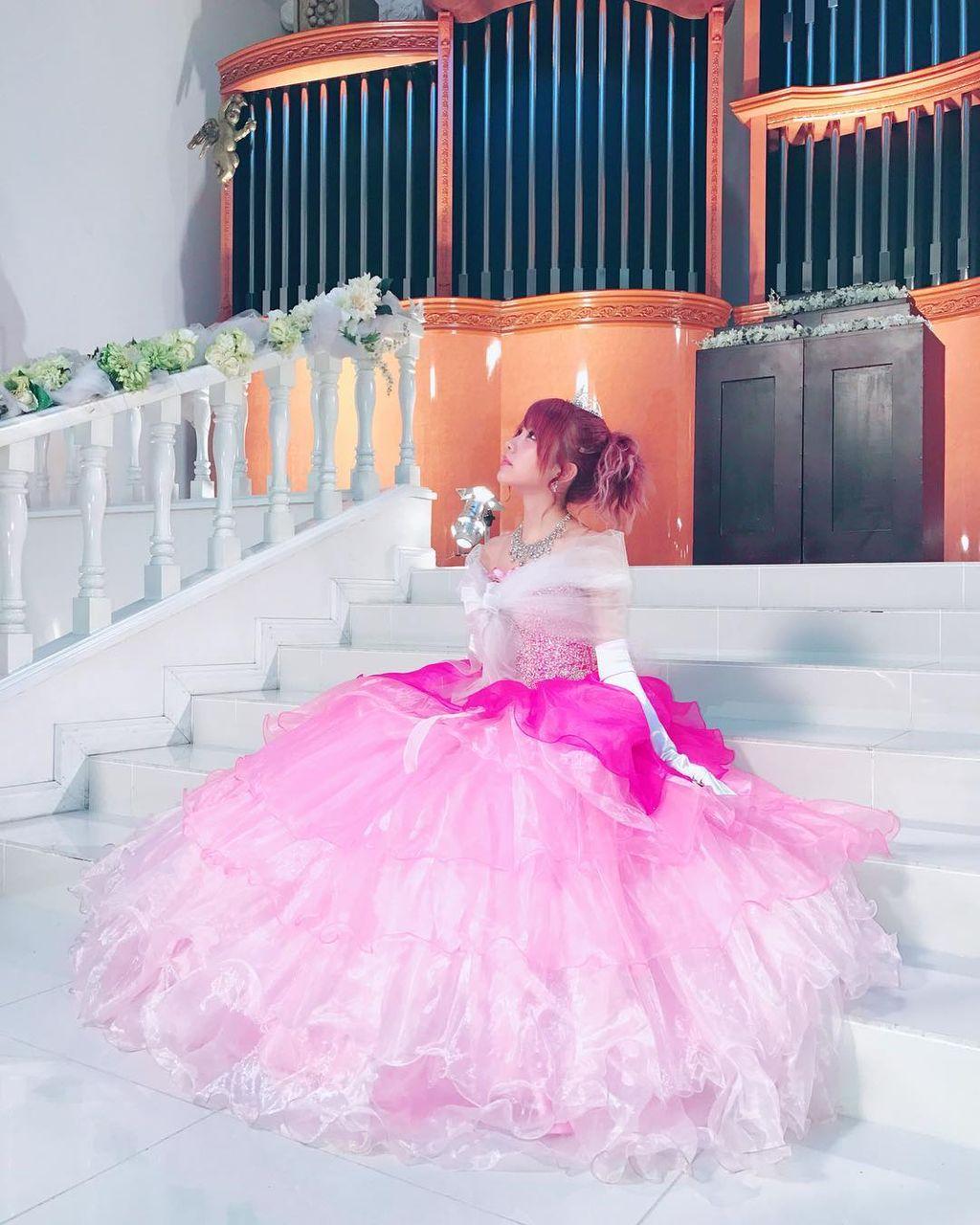【エンタメ画像】ピンクのドレス姿の田中れいなちゃん(28)がまさにお姫さま♪♪