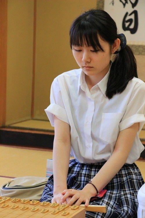 【エンタメ画像】つばきファクトリー・小片リサ、女流棋士初披露のお知らせ